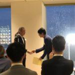 シダックス志太会長より賞状を株式会社エボレボ代表取締役小山が頂きました。